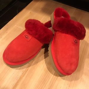 New UGG Disquette Slippers, Red Shearling Slip-Ons, UGGs, Red Fuzzy Slippers, 9